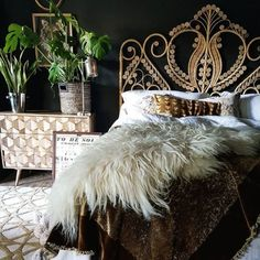 Home Interior 2019 I'm Outside Looking In.Home Interior 2019 I'm Outside Looking In Dream Bedroom, Home Bedroom, Magical Bedroom, Home Interior, Interior Design, Bohemian Bedroom Decor, Dark Interiors, My New Room, Beautiful Bedrooms