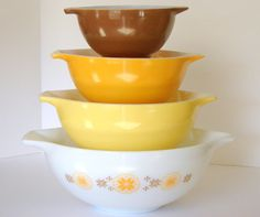 Vintage Pyrex Town & Country Cinderella bowl set - I have the 444 (largest), may eventually hunt to complete the set one day.
