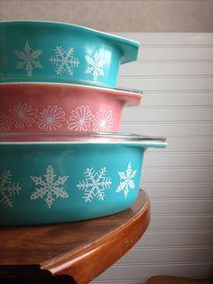 Pyrex snowflake . Pink daisy . Retro vintage kitchen tabithasue- I have the bottom casserole alas no lid