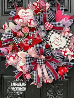 corona diy Description in my shop Valentine Day Wreaths, Valentines Day Decorations, Valentine Day Love, Valentine Crafts, Holiday Wreaths, Printable Valentine, Homemade Valentines, Valentine Ideas, Holiday Decorations