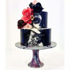 Probably the most amazing muertos cake I've ever seen!