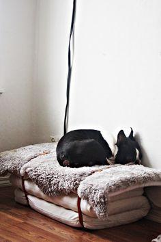 Cute idea for a dogbed/ chair/ mattress pad storage
