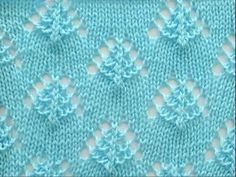 Cómo Tejer PUNTO ARAÑITAS  con 2 Agujas (385) Lace Knitting Stitches, Arm Knitting, Knitting Charts, Loom Knitting Projects, Knitting Videos, Knitting Designs, Crochet Coat, Crochet Quilt, Easy Knit Blanket