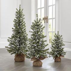 35 Adorable Small Christmas Tree Decor and Design Ideas Farmhouse Christmas