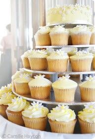 Daisy wedding cupcakes