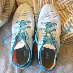 Nike free 5.0 Never worn! Super cute! Nike Shoes Sneakers