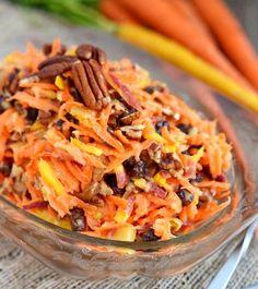 Une recette facile et rafraîchissante salade de carottes arc-en-ciel aux pacanes. C'est rapide (prêt en 5 minutes)!