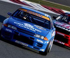 http://namasce.pl/legendy-motoryzacji-nissan-skyline-r32-gt-r-1989-1994/  LEGENDA GTR