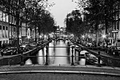 Leidsegracht Canal At Night / Amsterdam Print by Barry O Carroll