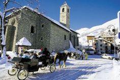 #Valloire village centre Amazing Destinations, Alps, Notre Dame, Skiing, Street View, Europe, France, Centre, Building