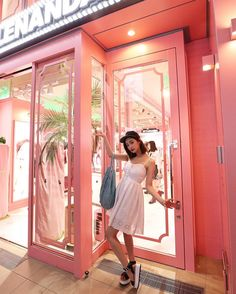 Ulzzang Fashion, Ulzzang Girl, Asian Fashion, Byun Jungha, Pink Cafe, Cute Cafe, Summer Waves, Exhibition Booth Design, Pink Room