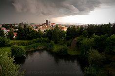 Upcoming storm, Klatovy, Czech Republic. Wind Of Change, Church Building, Czech Republic, Prague, Beautiful Landscapes, Mother Nature, Castle, River, Storms