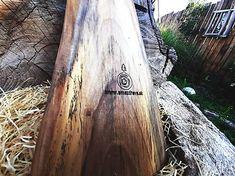 Lopárik dobrú chuť | smezdreva.sk Cutting Boards, Surfboard, Wood, Crafts, Manualidades, Wooden Cutting Boards, Woodwind Instrument, Timber Wood, Surfboards
