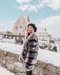 Kaikki kiva loppuu aikanaan..💛 Hypättiin just @lindaekroth kanssa (toivottavasti oikeaan 🤣) junaan kohti Wieniä ja lentokenttää ✈️ Kiitos… Hello Winter, My Photos, Fur Coat, Jackets, Instagram, Down Jackets, Fur Coats, Jacket, Fur