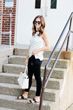 I kinda love real life, mom-style bloggers, it makes me feel like looking fabulous without being a size 2 is doable.