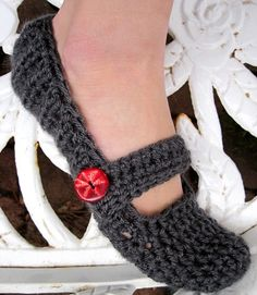 I REALLY WANT THESE SHARON!Crochet Slippers