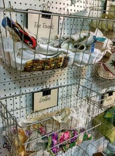 Flea market flips 742319951061796647 - Super Jewerly Display Shop Flea Markets Ideas Source by Vintage Booth Display, Antique Booth Displays, Antique Mall Booth, Antique Booth Ideas, Vendor Displays, Craft Booth Displays, Store Displays, Display Ideas, Craft Booths