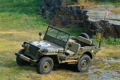 Jeep Willys Picture of an old fighting jeep in a rock terrain , Jeep Wrangler Rubicon, Jeep Cj, Jeep Truck, Military Jeep, Army Vehicles, Jeep Vehicles, Willys Mb, Antique Cars, Vintage Cars