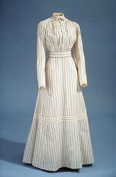 1908 dress via leschosesdelicates.blogspot.com.