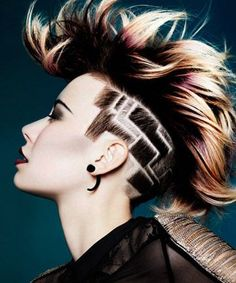 We love lotus undercut designs. Want more undercut hairstyles for women? Discover more badass undercuts here. Undercut Designs, My Hairstyle, Cool Hairstyles, Hairstyles 2016, Wedding Hairstyles, Shaved Hair Designs, Avant Garde Hair, Hair Tattoos, Undercut Tattoos