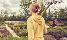 Doctors should prescribe gardening for patients more often, says report