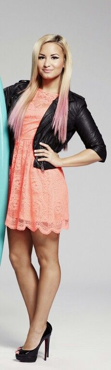 Perfect style if i wanna look cute,but still edgy. I loooovvveee demis style! :)