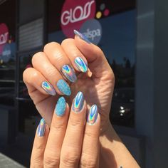 Multi Chrome Acrylic Mirror Effect Nail Design Ideas to make you Look really sexy and cool in Falll/Winter Nail Manicure, Nail Polish, Cute Nail Colors, Nail Art, Holographic Nails, Holographic Powder, Chrome Nails, I Love Makeup, Summer Nails