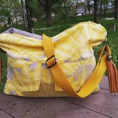 Aude M. sur Instagram: Le sac qui me sert le plus au quotidien aux beaux jours, une besace avec plein de rangements, idéale pour le boulot et les réunions (un pc…