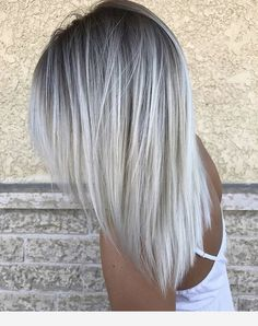 Nice, but with longer layers. Nice, but with longer layers. Icy Hair, Silver Blonde Hair, Grey Platinum Hair, Ash Blonde Balayage, Icy Blonde, Medium Hair Styles, Long Hair Styles, Black Ponytail Hairstyles, Pinterest Hair