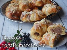 Przepis na domowe rogale marcińskie How To Make Cake, Muffin, Cheese, Meat, Chicken, Cooking, Breakfast, Pallet, Polish