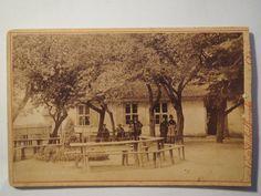 Cöslin Koszalin Köslin - Personen vor Gebäude - um 1890 - Photograph: J. E. Stybalkowski Cöslin