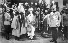 Crown prince Carol II, King Ferdinand I and Queen Mary of Romania, 1922 Queen Sophia, Queen Mary, King Queen, Romanian Royal Family, Greek Royal Family, Regina Victoria, Queen Victoria, Ferdinand, Second World