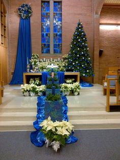 Sanctuary Advent 2015 Church Altar Decorations, Church Christmas Decorations, Christmas Nativity, Christmas Ideas, Alter Decor, Church Interior Design, Altar Design, Christmas Program, Church Flowers