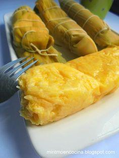 Envueltos de choclo colombianos   Cocina Colombian Dishes, My Colombian Recipes, Colombian Food, Colombian Arepas, Tamales, Colombian Breakfast, Cassava Flour Recipes, Venezuelan Food, Comida Latina