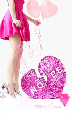 diy broken heart valentine's day piñata Valentines Day Food, My Funny Valentine, Valentine Gifts, Party Decoration, Valentine Decorations, Diy Piñata, Coupons For Boyfriend, Patterned Cake, Weekend Crafts