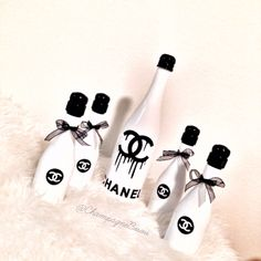 themed champagne with mini Chanel Party Favors Contact to … (With images) Chanel Birthday Party, Chanel Party, 50th Birthday Party, Glamour Decor, Chanel Decor, Christmas Food Gifts, Champagne Party, Happy 21st Birthday, Sweet 16 Parties