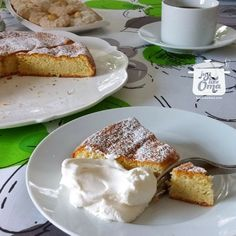 This Butterkuchen, also called Sugar Cake (Zuckerkuchen), a traditional German cake served for afternoon coffee. Loved by all, easy to make, delicious to eat! Apple Pancake Recipe, Apple Cake Recipes, Easy Cheesecake Recipes, Tart Recipes, Gourmet Recipes, Baking Recipes, Hazelnut Torte Recipe, Hazelnut Cake, German Desserts