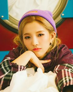 Jeon SoYeon of (G)I-DLE for her second solo song