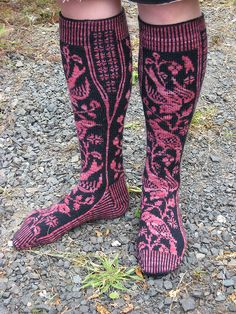 fabulous knit socks - Nightingale pattern by Vintage Purls on Ravelry