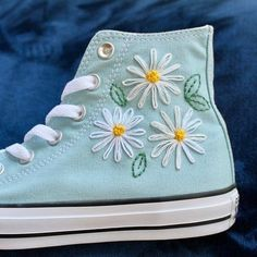 Mode Converse, Sneakers Mode, Sneakers Fashion, Pink Converse, Converse Style, Embroidery On Clothes, Cute Embroidery, Embroidered Clothes, Diy Embroidery Shoes
