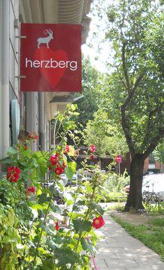 Taschen von Iris K Schröder jetzt bei Herzberg in derErzbergerstraße 19, 22765 Hamburg 040 52594263