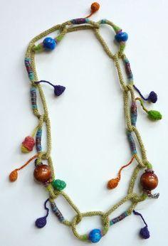 collar de flores y cadena de tricotín by fleurdefibre, via Flickr