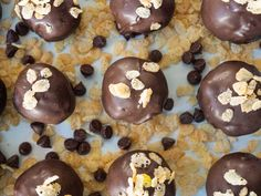Cookie Desserts, Just Desserts, Dessert Recipes, Peanut Butter Balls, Creamy Peanut Butter, Yummy Cookies, Cake Cookies, Brownie Bar, Vegetarian Chocolate