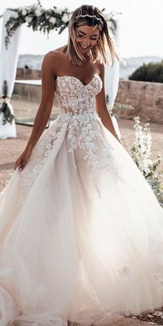 Sweetheart Neck Lace Rustic Wedding Dresses Long Tulle Beach Wedding Dress – The Best Ideas Maxi Dress Wedding, Wedding Dress Train, Rustic Wedding Dresses, Sweetheart Wedding Dress, Dream Wedding Dresses, Bridal Dresses, Wedding Ideas, Mermaid Wedding, Floral Wedding