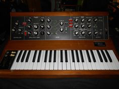 MATRIXSYNTH: VINTAGE MOOG MINIMOOG MODEL D SYNTHESIZER