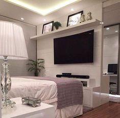 Montar um televisao no seu quarto.