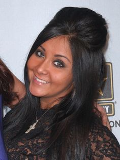I want to take lessons from snooki on how to get that super cute bump!