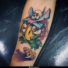 tatuagem masculina braço new school:colorida preta desenho braço no pescoço pequena perna na mao flores tradicional costas #tattoo Tatuagem New School, Skull, Tattoos, Blog, Owl Tat, Meaning Tattoos, Colorful, Dibujo, Traditional
