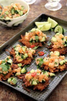 salma tartar og potet latkes Galette, Pasta Salad, Ethnic Recipes, Food, Salmon Tartare, Eat, Apples, Crab Pasta Salad, Essen