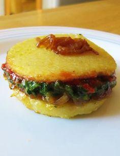 @lundiveggie | Croque-polenta aux légumes fondants | végétarien, végétalien, vegan, sans gluten ------------------------- Croque polenta with tender vegetables | vegetarian, vegan, gluten-free